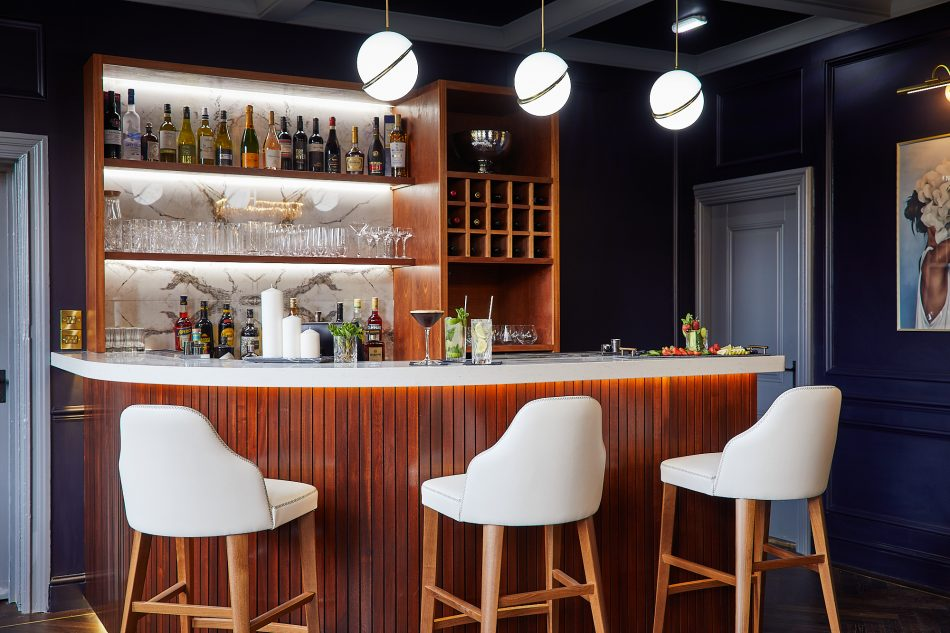 Private Members Lounge, Dining and Bar